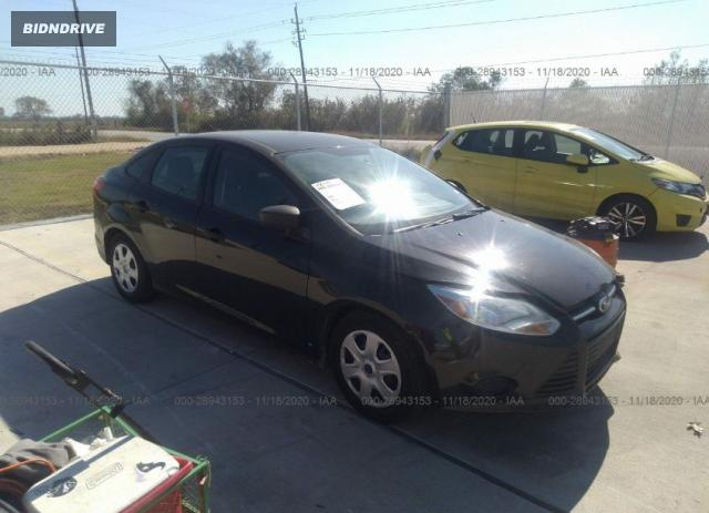 Lot #1612303193 2014 FORD FOCUS S salvage car