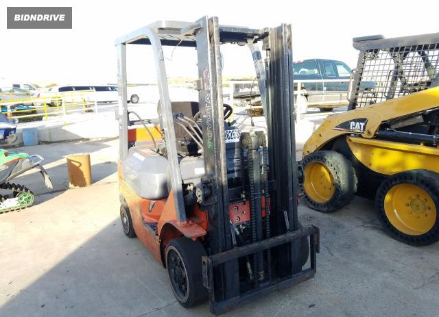 Lot #1633310399 2003 TOYOTA FORKLIFT salvage car