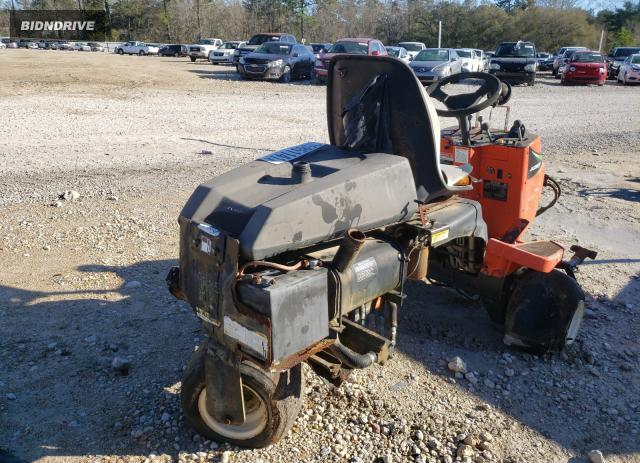 Lot #1664397393 2000 JACO LAWNMOWER salvage car