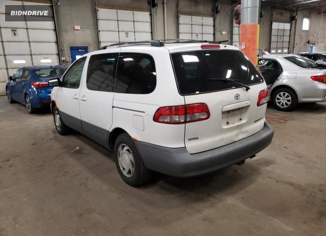 Lot #1676811776 2001 TOYOTA SIENNA LE salvage car