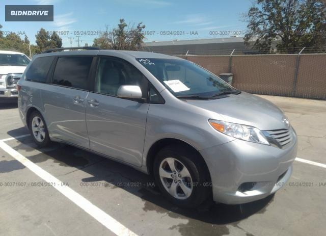 Lot #1714213406 2017 TOYOTA SIENNA LE salvage car