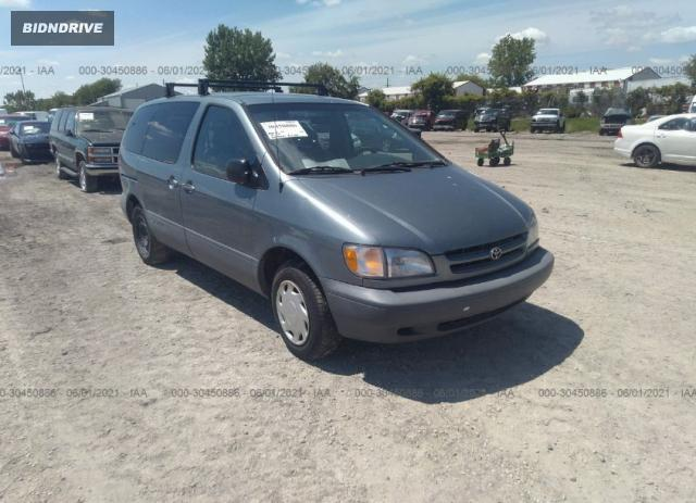Lot #1715238916 1999 TOYOTA SIENNA LE salvage car