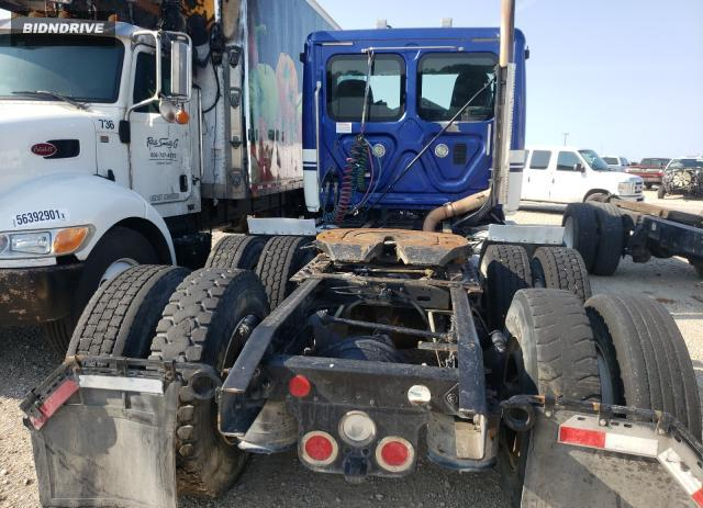 Lot #1760774719 2012 FREIGHTLINER CASCADIA 1 salvage car